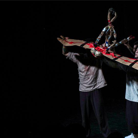 http://festivalultanar.ro/wp-content/uploads/2015/12/Soldatelul-Zhang-Ga-foto-2-540x540.jpg